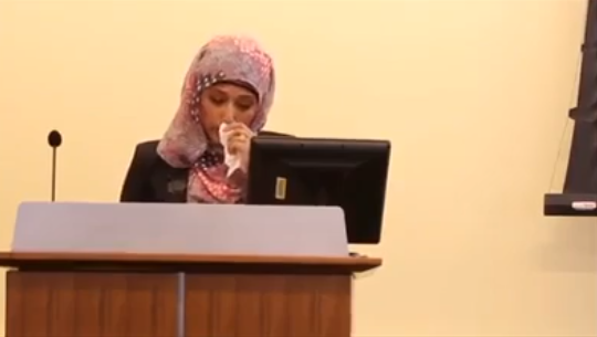 Girl who faced many difficulties in wearing hijab