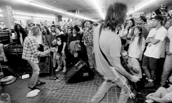 Nirvana Kurt Cobain Krist Novoselic live