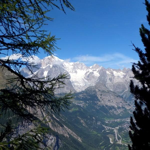 Italie Val Aoste Aosta La Thuile belvédère arpy alpes