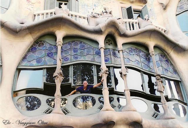 Nico al balcone della Casa Batllò!