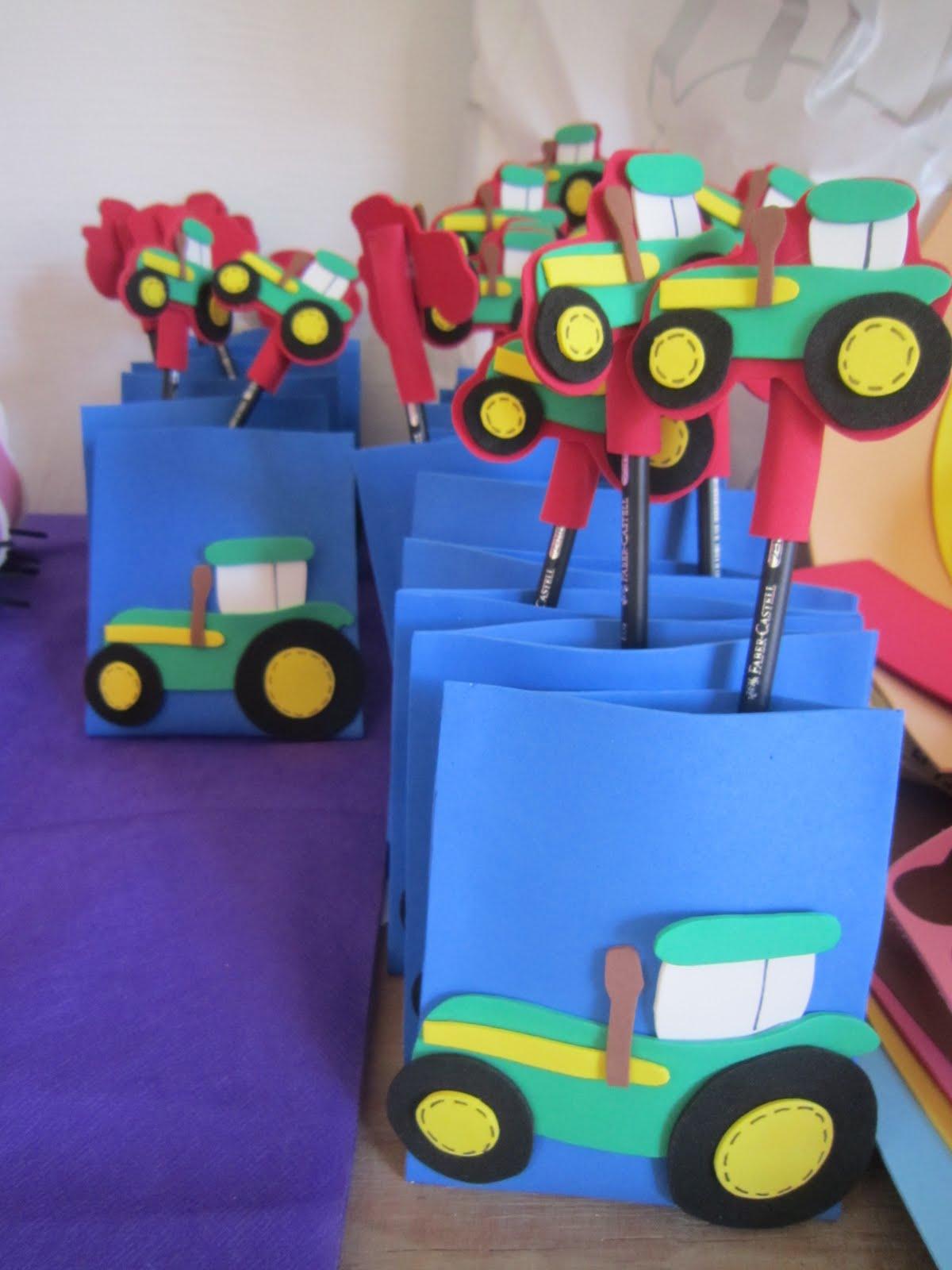 Mis cositas en goma eva cumple de tractores para lucas - Lamparas con goma eva ...