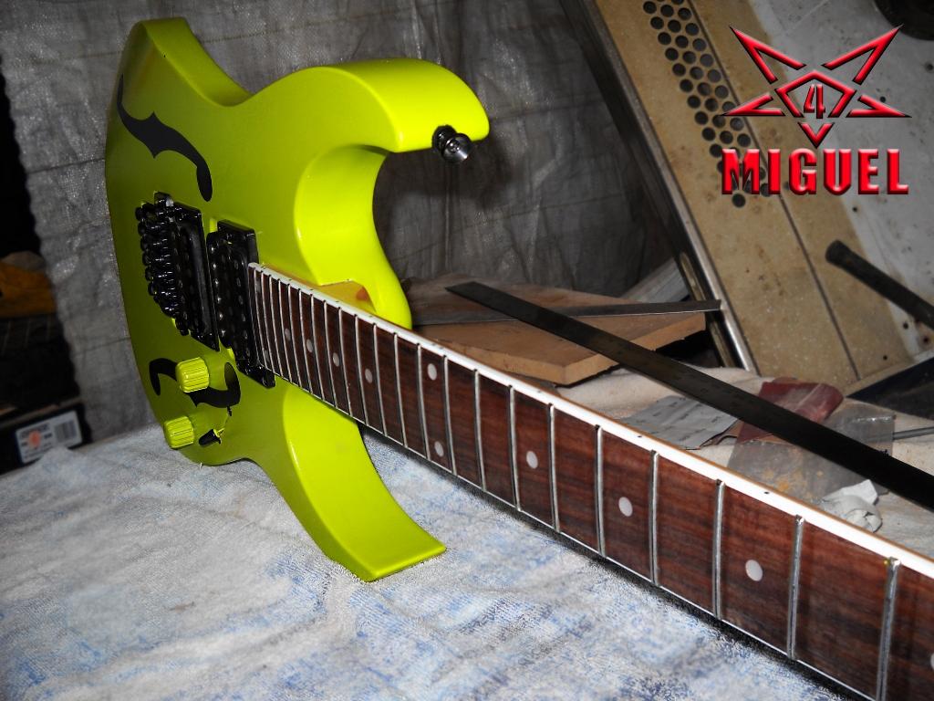 Luthier miguel4 talca guitarra electrica ibanez rg custom for Luthier guitarra electrica