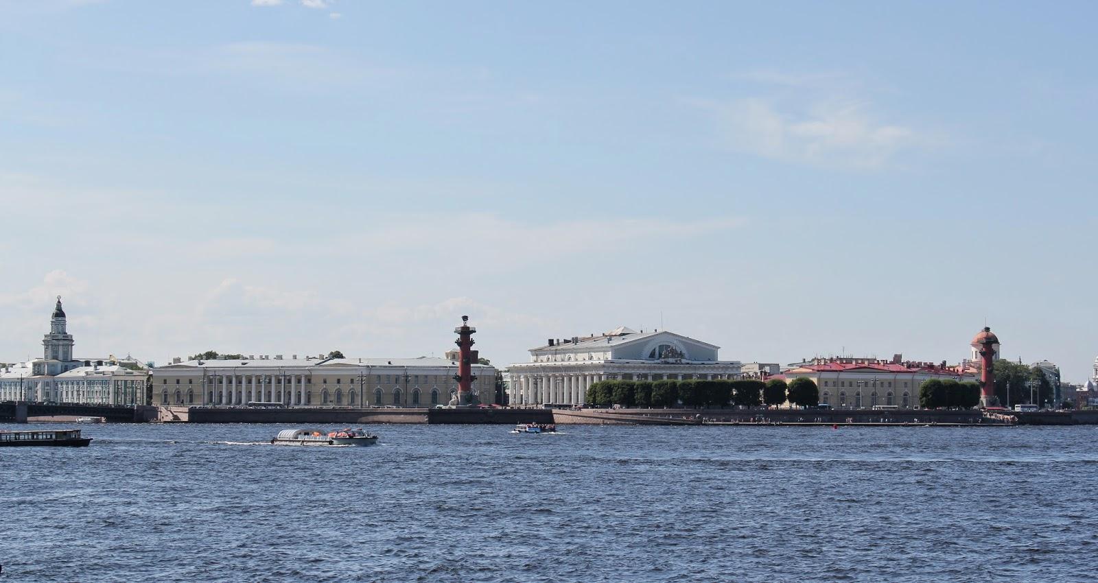 Дворцовая набережная Невы