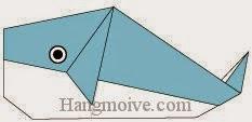 Bước 12: Vẽ mắt để hoàn thành cách xếp con cá voi bằng giấy theo phong cách origami.