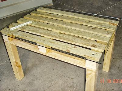 Carpinteria sevilla mesa palet for Como hacer mesa de trabajo con palets