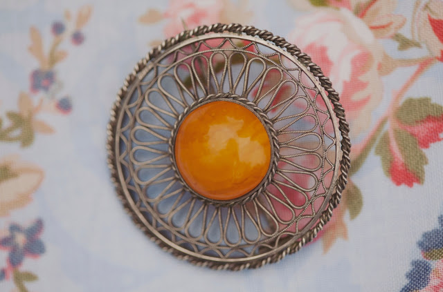 amber brooch, DIY wedding
