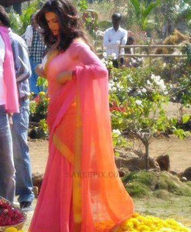 Deepika-padukone-transparent-half-saree-Chennai-express-movie