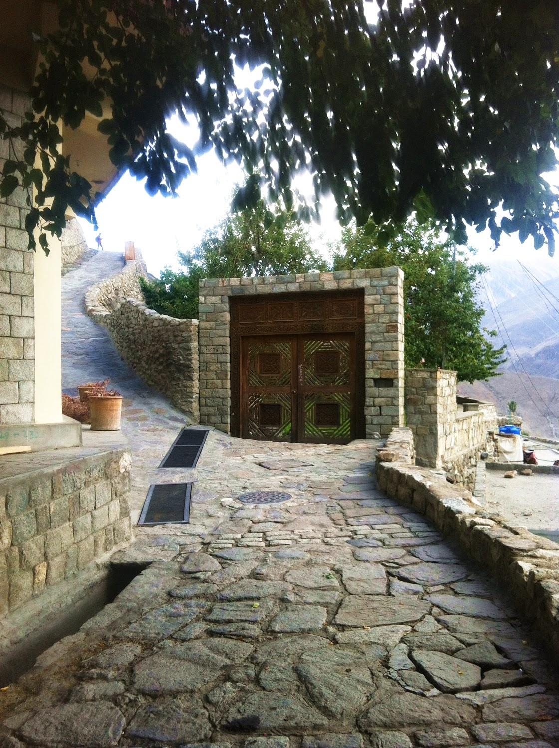 Baltit Fort, Hunza Valley (www.prettygloss.blogspot.com)