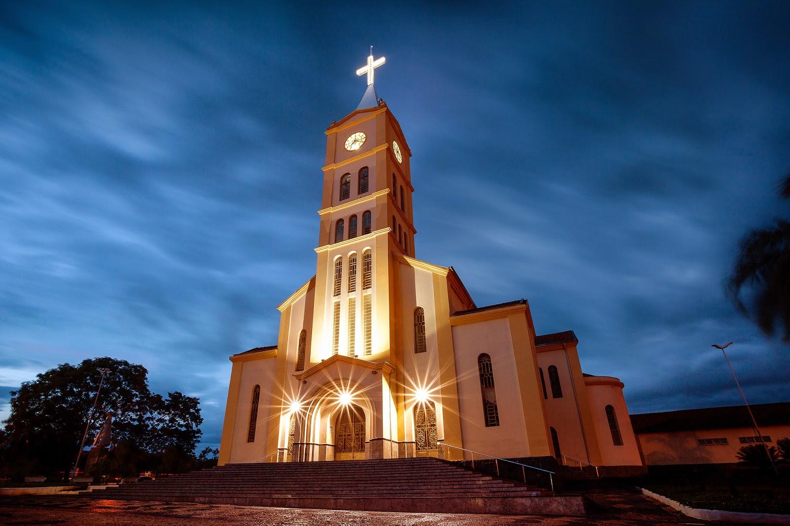 Cleber Carvalho-Longa Exposição-Andradina-SP-Terra do Rei do Gado-Igreja São Sebastião-Igreja São Sebastião Andradina-SP