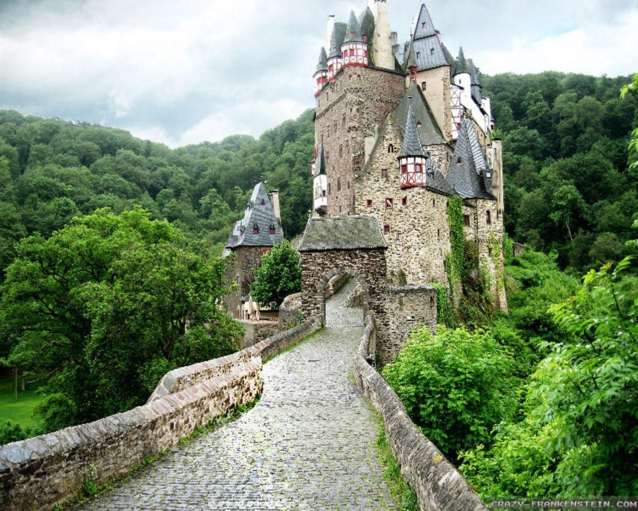 Живописен Замък