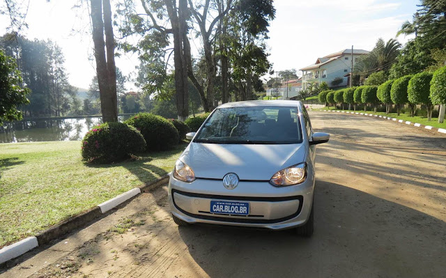 Volkswagen up! Prata 2015 - completo