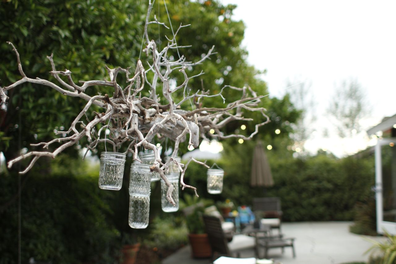 Cookie Curly e Heck of a Outdoor Chandelier