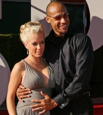 Kendra Wilkinson Pregnant