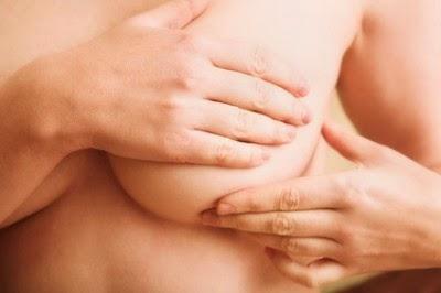 le recours à la reconstruction mammaire fait partie intégrante du traitement.
