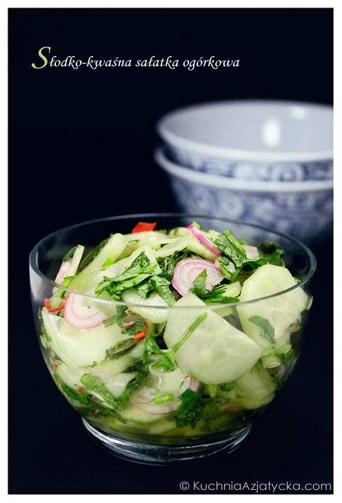 Słodko-kwaśna sałatka ogórkowa © KuchniaAzjatycka.com