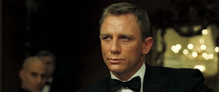 Screen Shot Of James Bond Casino Royale (2006) Dual Audio Movie 300MB small Size PC Movie