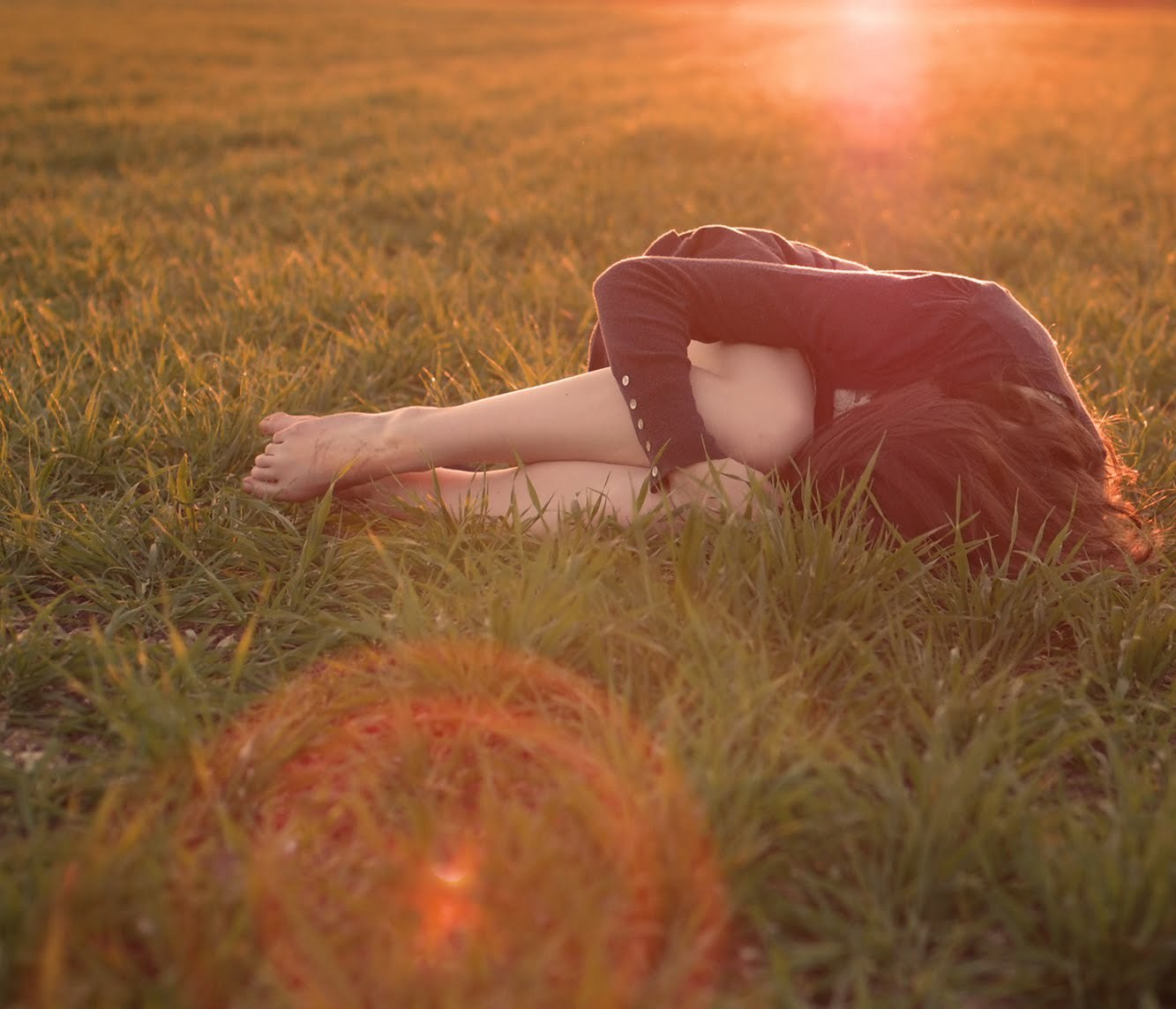 告诉我为什么 (gào su wǒ wèi shén me) - Tell me why 你失去欢笑 (nǐ shī qù huān xiào) - You lose the happy laughter (happiness) 失去了往日美好 (shī qù liǎo wǎng rì měi hǎo) - Lost the former beautiful goodness