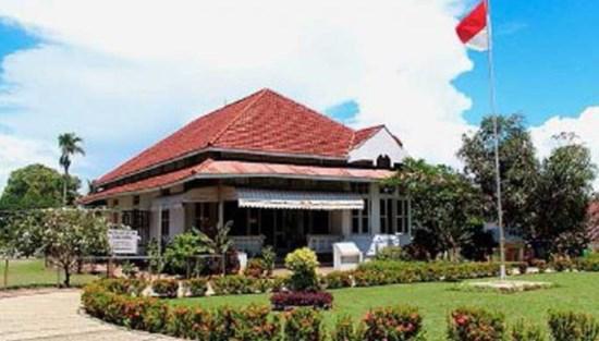 Rumah Pengasingan bung Karno di bengkulu