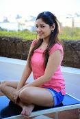Prabhajeet Kaur Glamorous Photo shoot-thumbnail-23