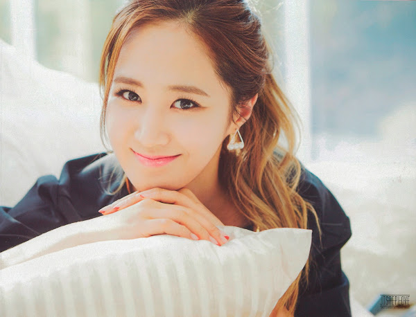 SNSD The Best Scans Yuri