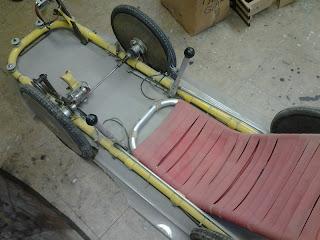 une velomobile traction avant avec circuit de chaine spécial Kingcycle+2+