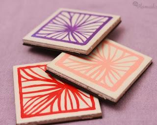 http://lasmanualidades.imujer.com/6652/como-hacer-un-posavasos-reciclando-azulejos