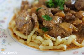 Beef Stroganoff (Slow Cooker)