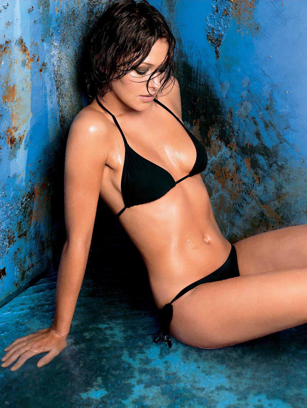 http://4.bp.blogspot.com/-vN2QjKjygko/Tck8feG7R7I/AAAAAAAADIU/OYEolYMaPns/s1600/emma_griffiths_bikini_3_big.jpg