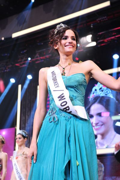 Miss Turkey World 2012 Acelya Samyeli Danoglu