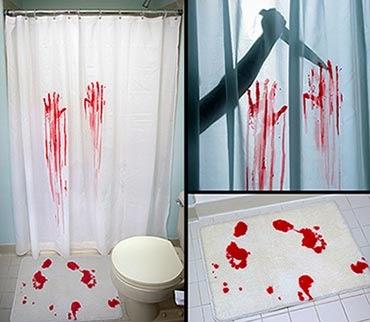 Tapetes personalizados e cortina de banheiro Psicose