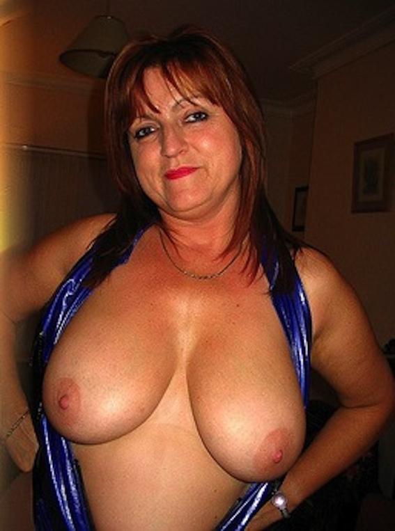 Amateur Big Tits Pics: Amateur Milfs With Big Tits - Photos