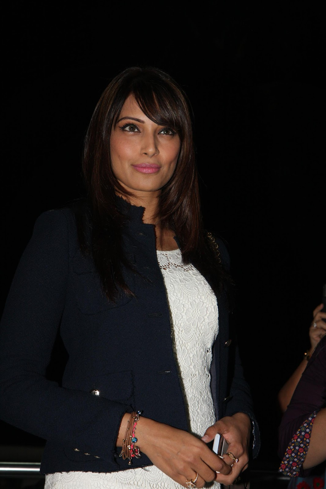Bipasha Basu Sexy Legs Show At The 'Race 2′ Movie Premiere
