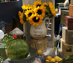 Viva&#39;s Vintage Market!  Town Hall Lawn.