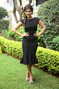 Samantha latest photos in black-thumbnail-5
