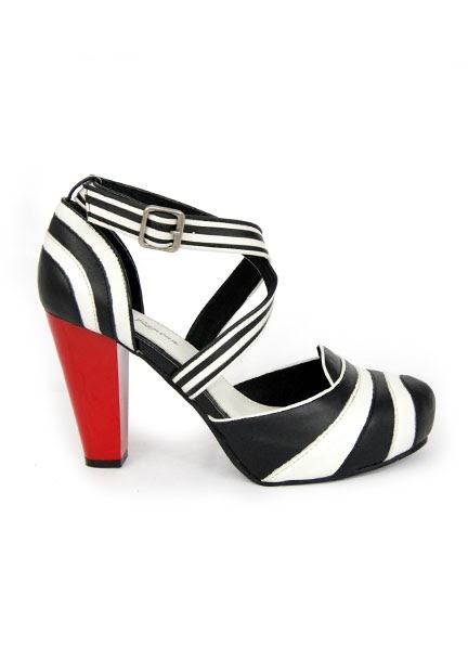 Show Me Your Shoes: lola ramona