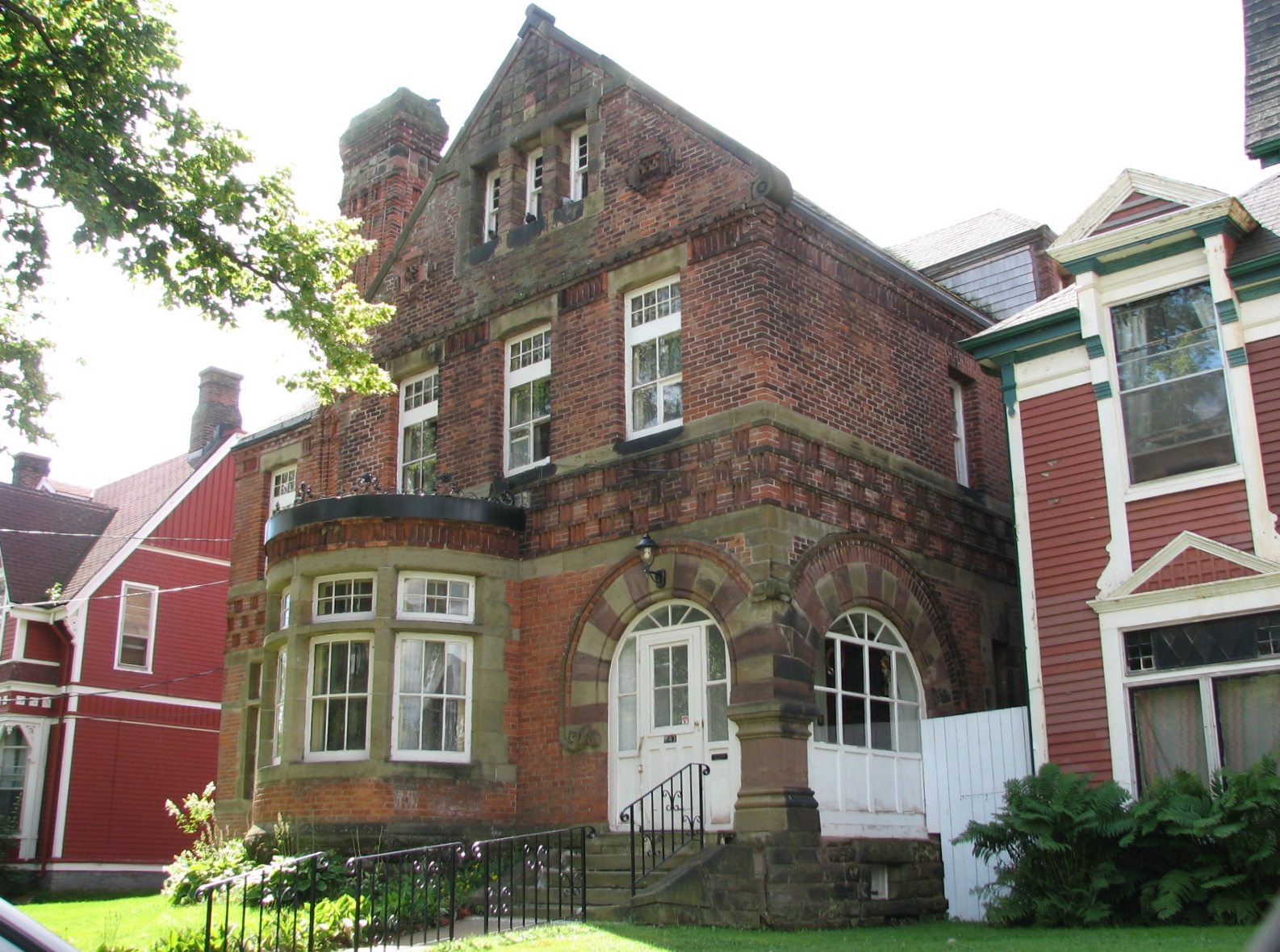 P e i heritage buildings help preserve the paton bassett for Pei home builders