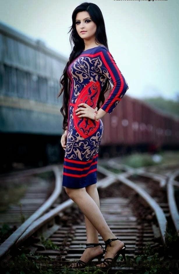 Bangladeshi+Super+Hot+And+Cute+Model+Pori+Moni's+HD+Photos007