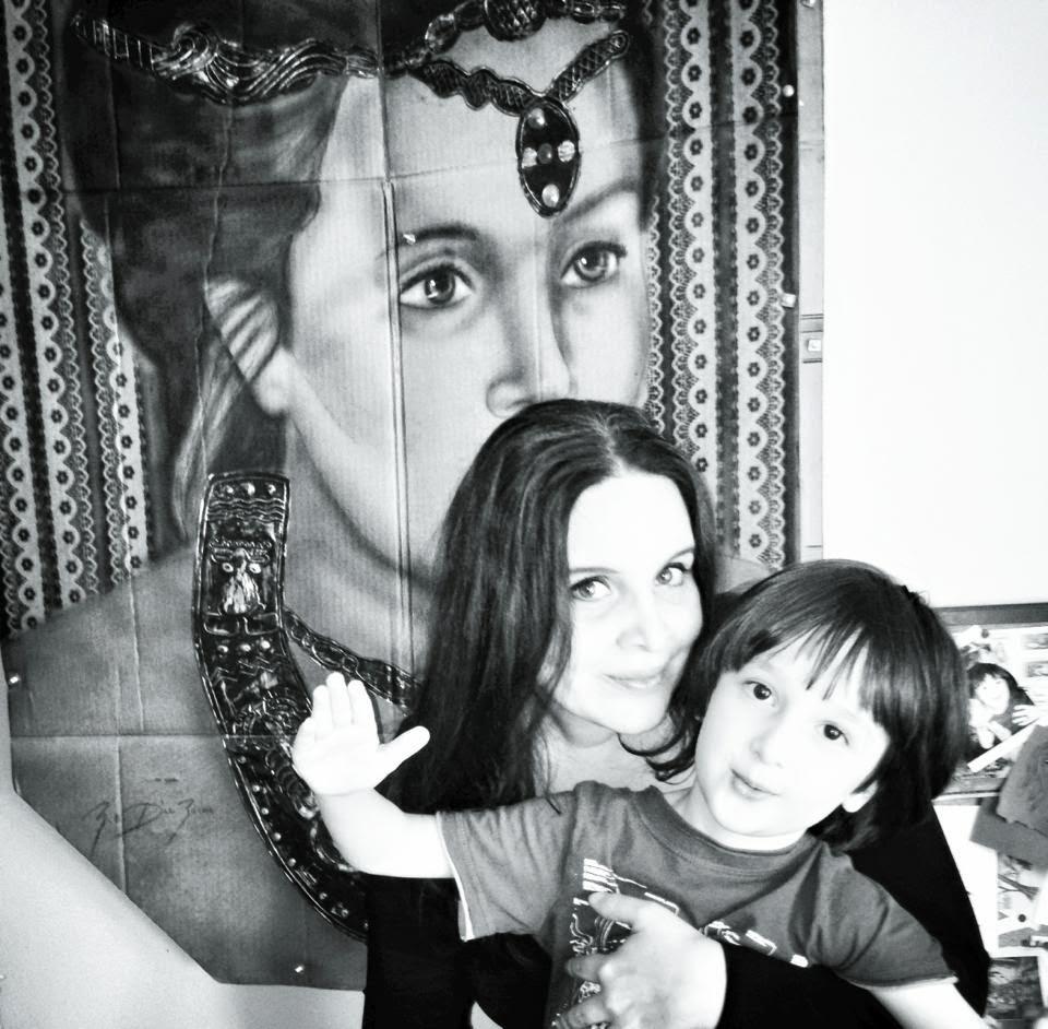 mujer - madre - artista