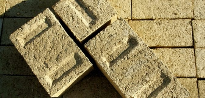 Batu Bata Bahan Bangunan Terbuat dari Ganja (Hempcrete)