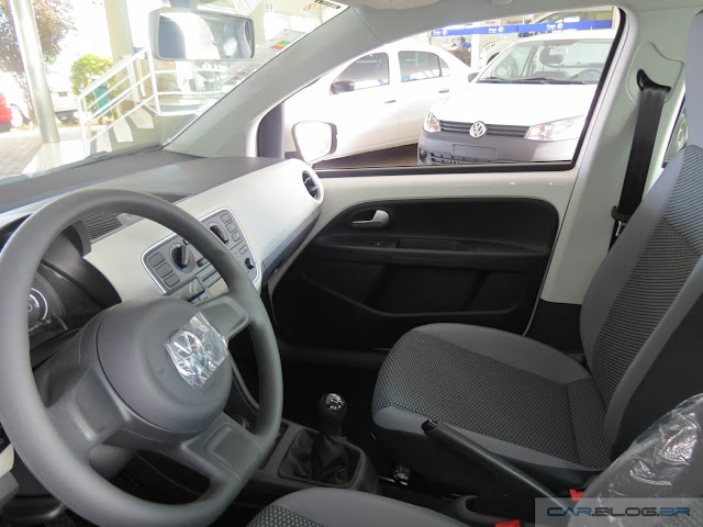 Volkswagen Up! 2016 TSI (Move) - interior