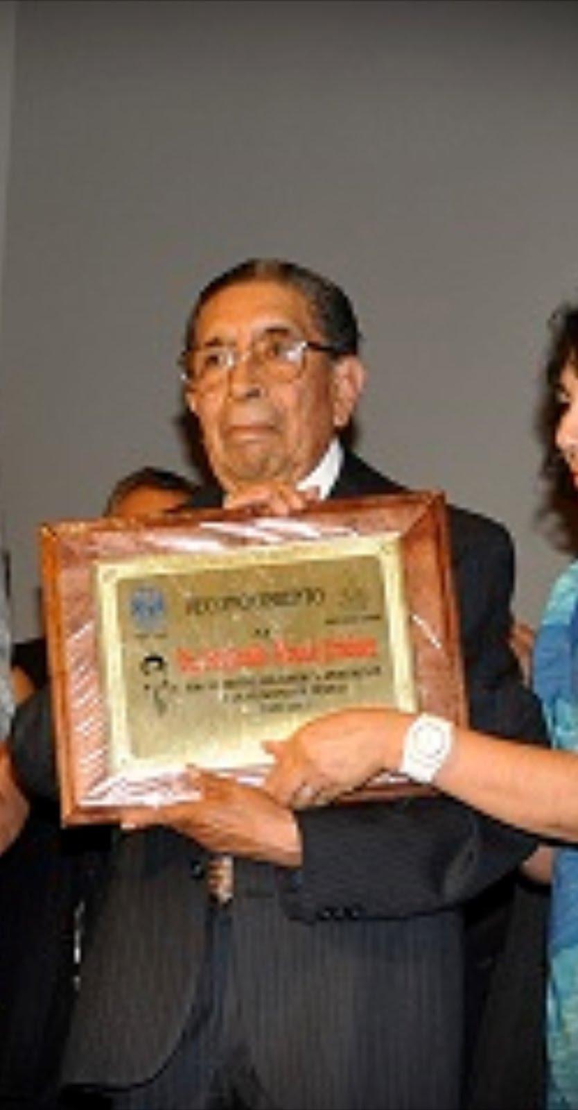 Fue homenajeado el doctor Benjamín Roque Jiménez