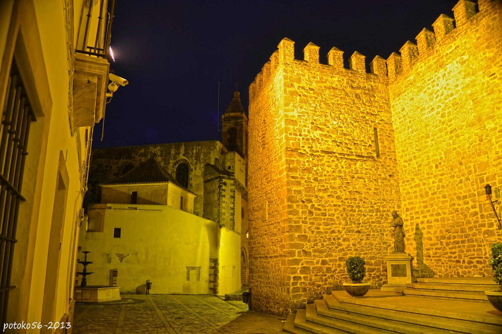Torre de la Parroquia y Castillo de Luna Rota