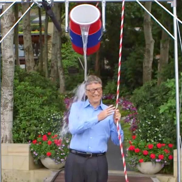 mark zuckerberg, Ice Bucket Challenge, cara Ice Bucket Challenge, ice bucket, bill gates, jupe, valentino rossi, sklerosis lateral amiotrofik, penyakit ALS