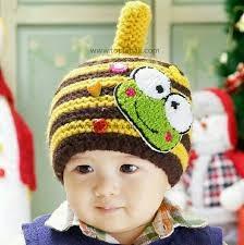 gambar bayi imut pakai topi