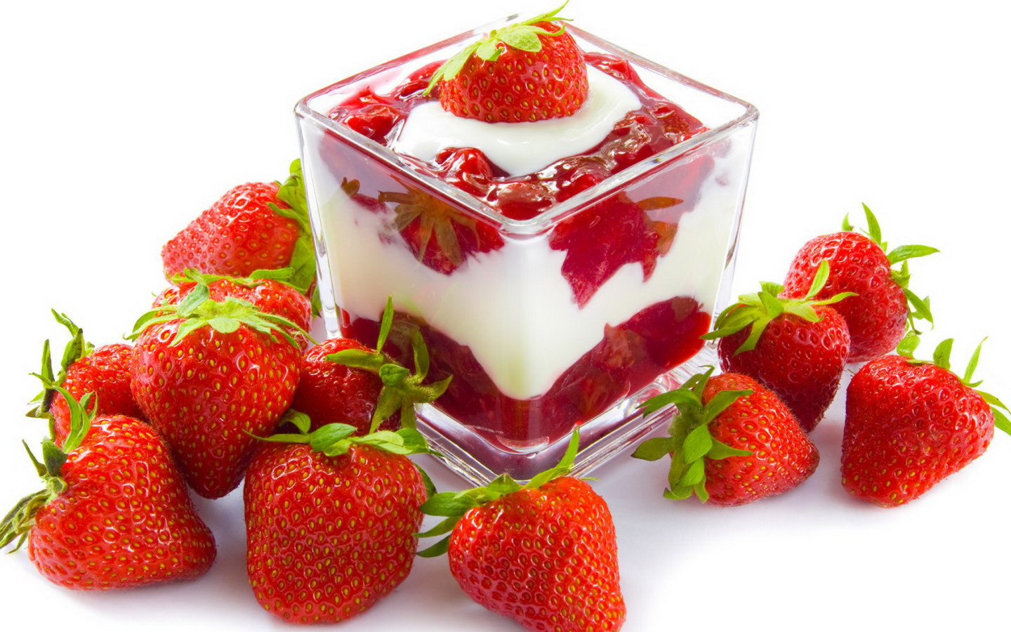 Strawberries and Cream Dessert Recipe