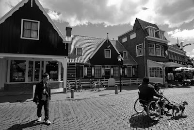 Day after day in Volendam (Netherlands), by Guillermo Aldaya / AldayaPhoto