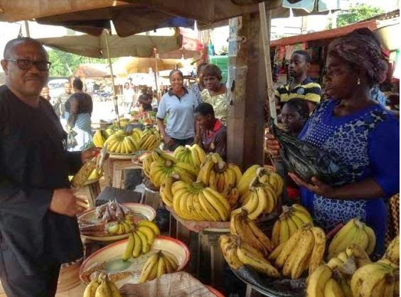 Anambra State Governor Peter Obi spotted buying banana at a local market