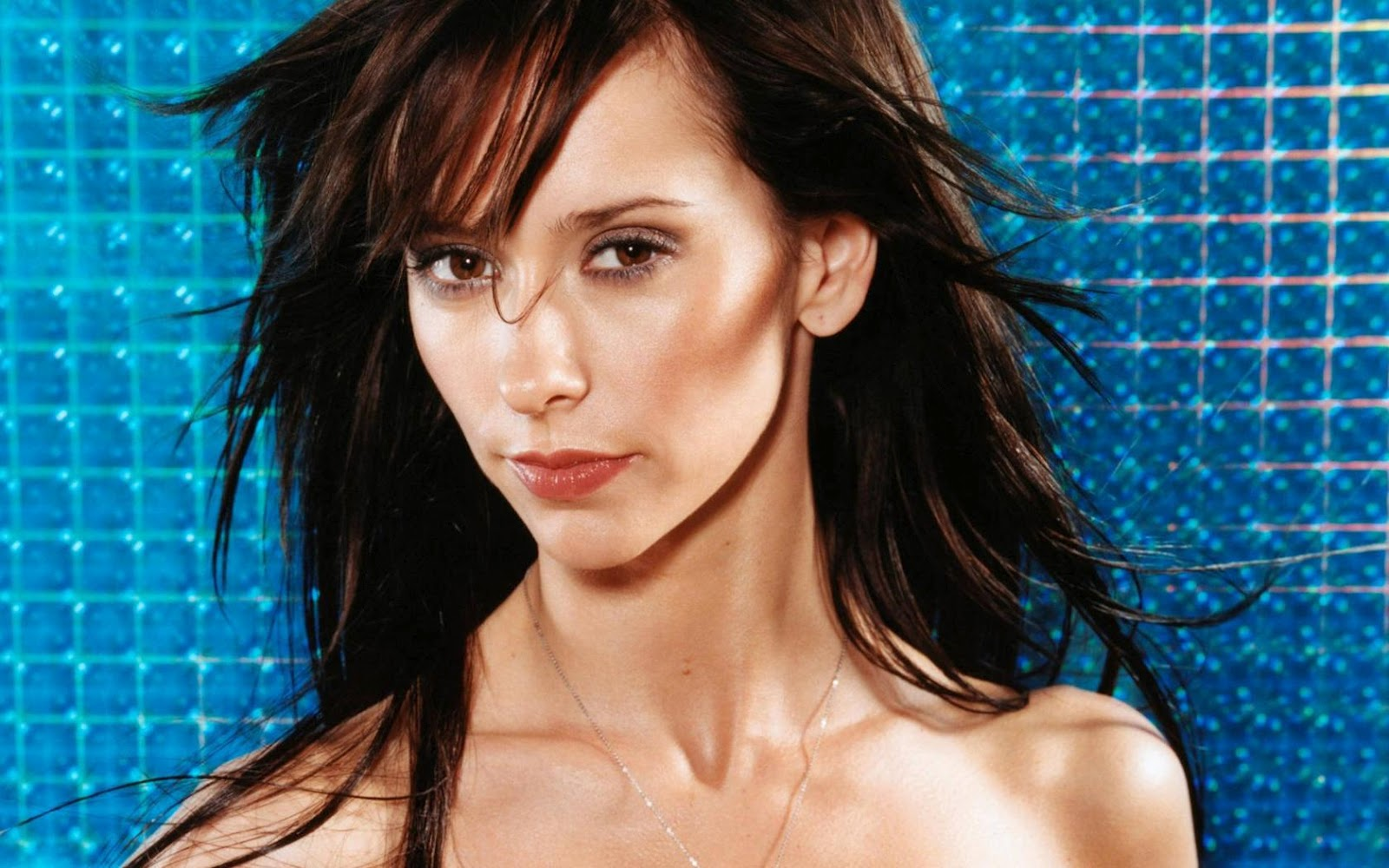 http://4.bp.blogspot.com/-vQ9S3srtp2c/T4-SIgevzZI/AAAAAAAAAqQ/R6MJy55S_Mg/s1600/jennifer_love_hewitt_hair_widescreen_wallpaper_74604.jpg