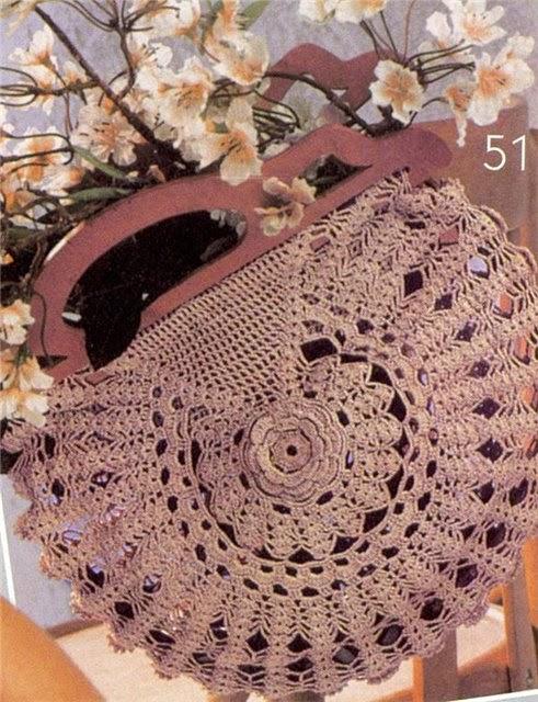 Bolso tejido al crochet con manijas de madera , con esquema