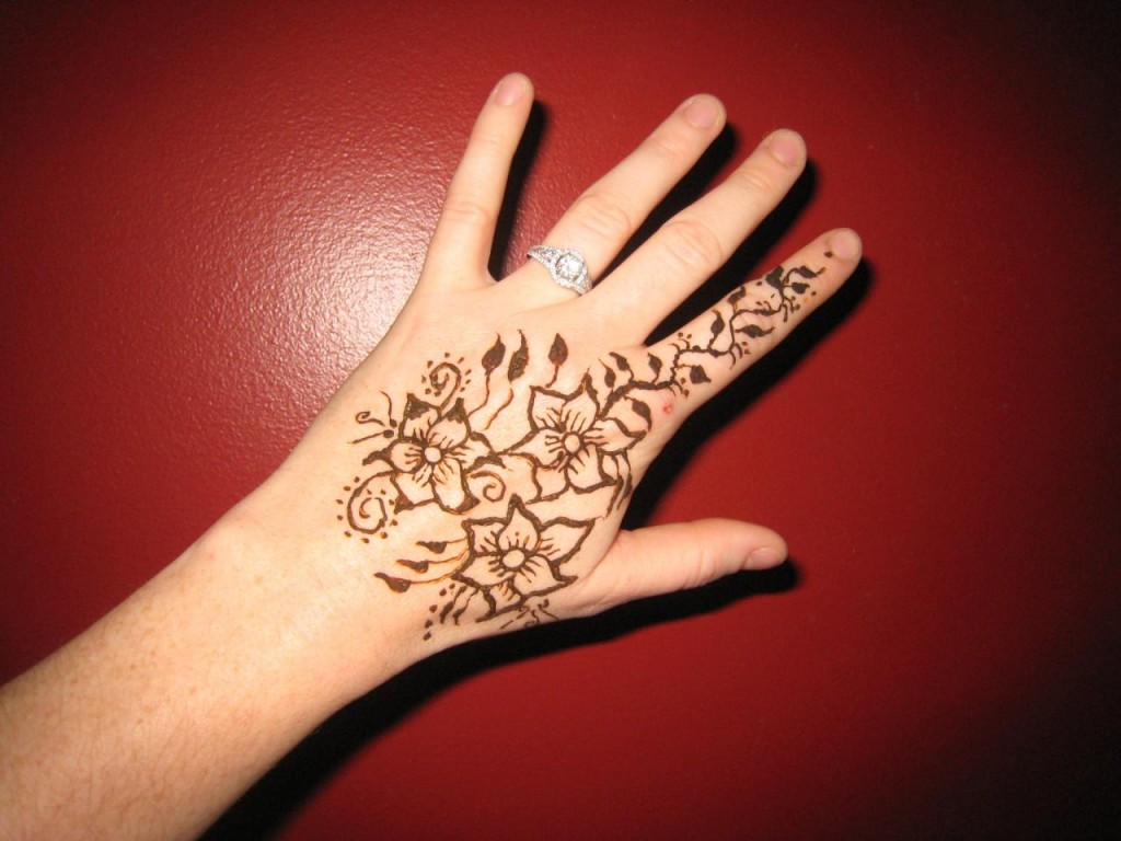 Mehndi Tattoo Hip : Very easy mehndi designs for kids all about
